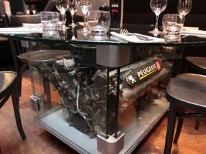 Le moteur de Peugeot de F1 n'était pas très fiable, c'est vrai. Mais il parait solide en tout cas