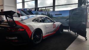 Une Porsche GT3 Cup, montée sur vérins, pour rouler sur Assetto Corsa !