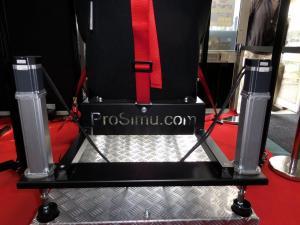 Un matériel Prosimu avec cinq vérins électriques pour retranscrire le tangage, le roulis, la translation verticale et le lacet