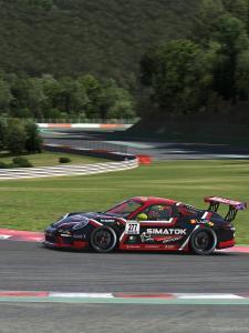 Cédric dans sa Porsche en entraînement sur iRacing à la chicane de Spa Francorchamps