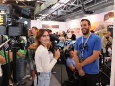 Darwin Lopez en plein interview avec Simracinggirl